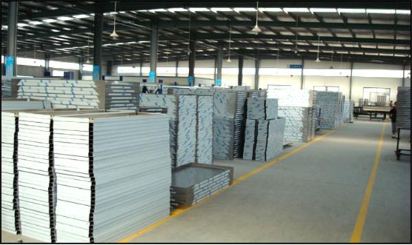 堆放整齐,分类合理的半成品仓储基地.png